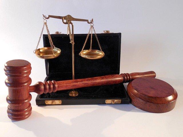 Comment devient-on huissier de justice ?